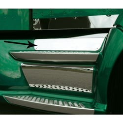 Stainless Steel Lower Front Kick Panel for Kenworth T660