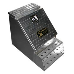 Smooth Aluminum Step Box With Tread Plate Door - 18 Inch